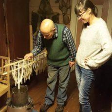 Forberedelser i Rødstua – en stemningsrapport